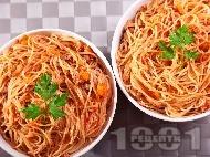 Вкусни спагети Болонезе с телешка кайма, бекон панчета и доматен сос (класическа оригинална рецепта)